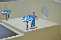 1_Siku-Control-Bauerhof-Horst-richtet-die-LED-Beleuchtung-aus