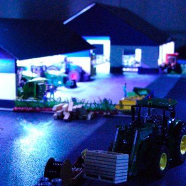 Die Straßenbeleuchtung auf unserem Siku Control 32 Bauernhof