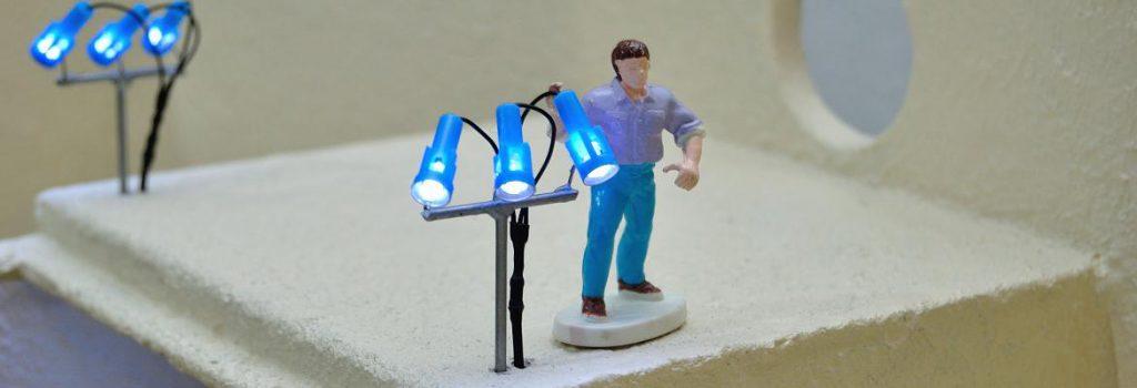 Siku-Control-Bauerhof-Horst-richtet-die-LED-Beleuchtung-aus-h